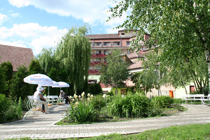 Contact hotel hefaistos covasna for Contact hotel